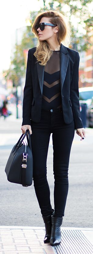 Everything Black Chic Style