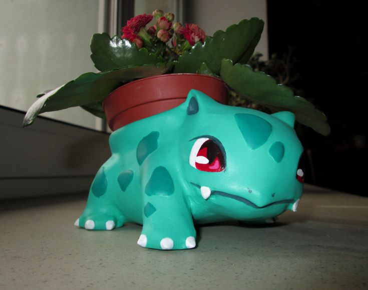 Chelsea! Will you help me make one of these for our patio?!?!?! ADORABLE ivysaur flower pot by 95n.deviantart.com on @deviantART She made this using this tutorial (http://www.instructables.com/id/Bulbasaur-Flower-Pot/)