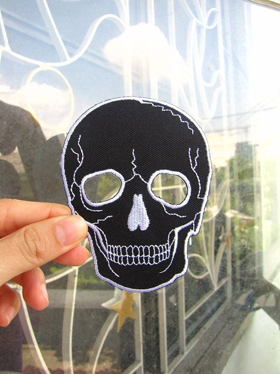 1 Dollar Shipping - Iron On Skull / Black Skull Patch / Applique