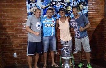 """Antes do Grêmio, Pedro Rocha """"bate pelada"""" com Buru do futebol de areia"""