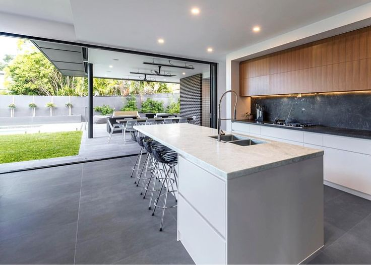 """439 Likes, 4 Comments - BIG HOUSE LITTLE HOUSE (@bighouselittlehouse) on Instagram: """"Indoor / Outdoor living done right 👌🏼 #redhill #queenslander #renovation #kitchen #designbyBHLH"""""""