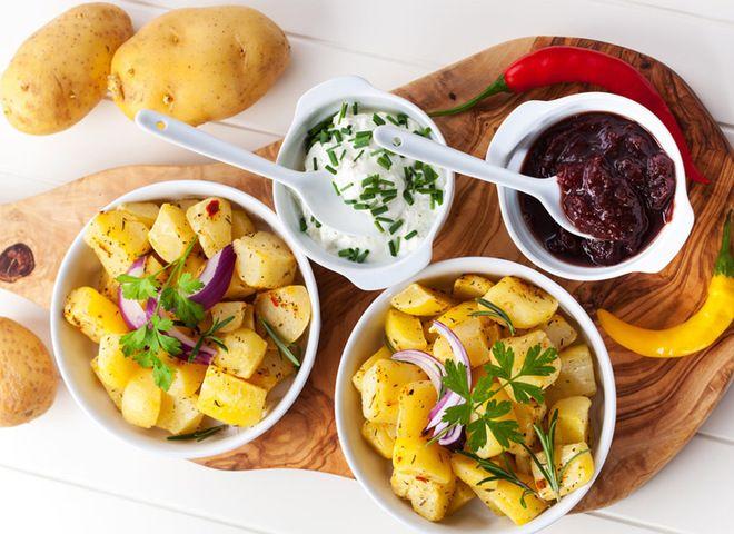 Молодая картошка в мультиварке с вишневым чатни   Ссылка на рецепт - https://recase.org/molodaya-kartoshka-v-multivarke-s-vishnevym-chatni/  #Овощи #блюдо #кухня #пища #рецепты #кулинария #еда #блюда #food #cook