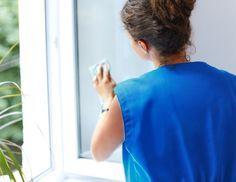 Fenster klar und streifenfrei putzen
