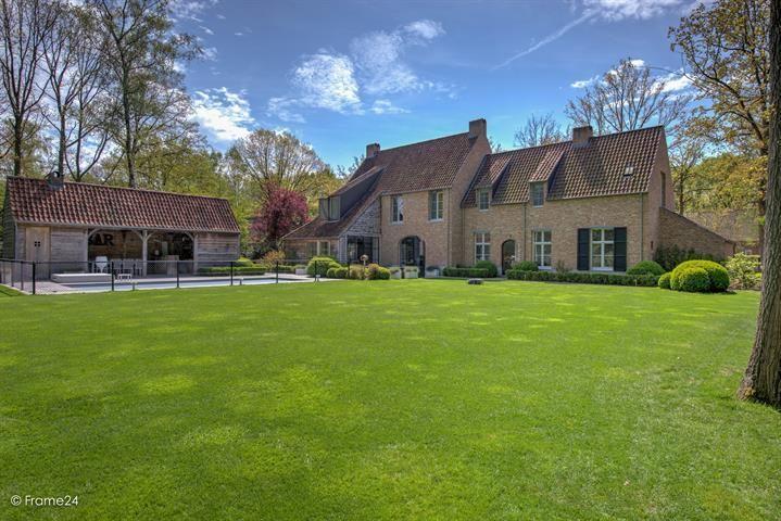 Prachtige recente villa (2011) met buitenzwembad - 's-Gravenwezel | Immoweb ref:7022934