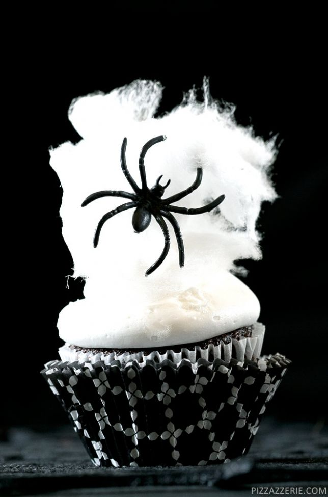 spider web halloween cupcakes kids party food ideas