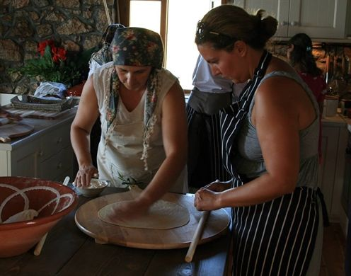 First-hand authentic Messinian tastes. Authentic food products and art objects, inspired by the history and culture of the Messinian region. For more information:- http://www.elenianna.com/en/article/first-hand-authentic-messinian-tastes #Food #Messinian #authentic