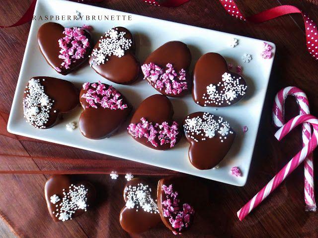 Raspberrybrunette: Plnené orechové srdiečka