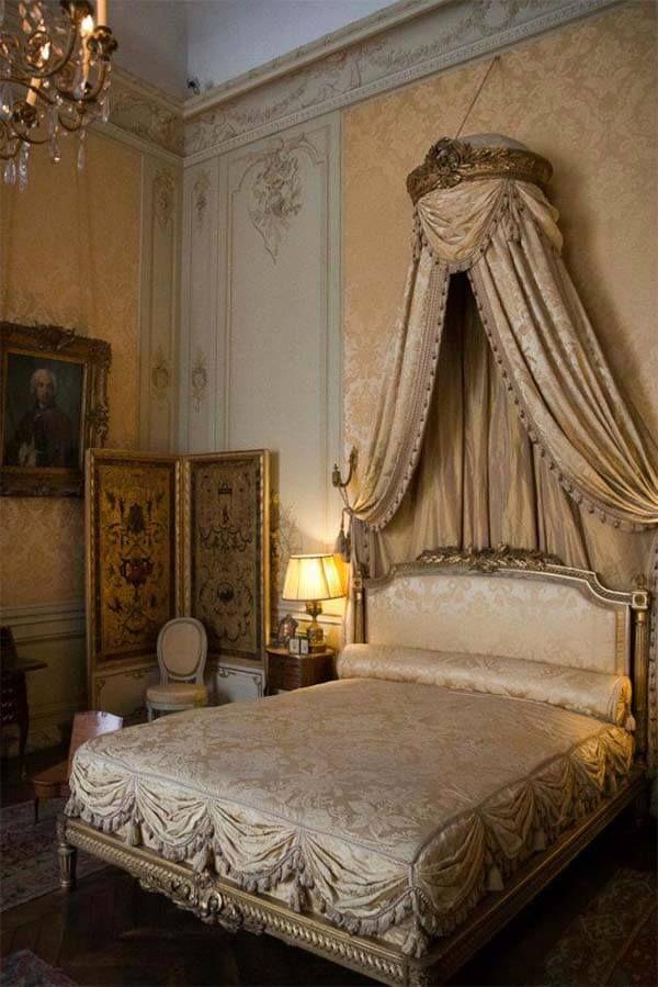 25 beste idee n over barok slaapkamer op pinterest zilveren kamer roze tiener slaapkamers en - Decoratie volwassen kamer romantisch ...