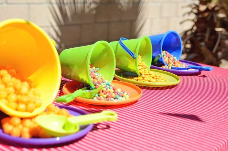 Use buckets as bowls and frisbees as plates.