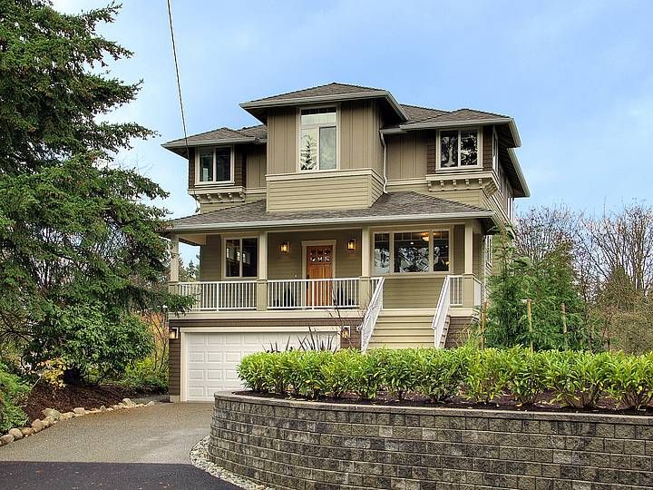 25 best images about craftsman homes on pinterest house for Craftsman lake house
