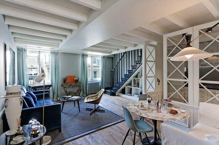 Двухэтажная парижская квартира с синим диваном и мраморной ванной комнатой   Пуфик - блог о дизайне интерьера