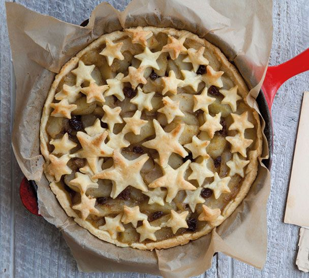 If your mum's a star cook her my Stellar Apple Pie on Mothers' Day. The recipe's on my website: http://www.annabel-langbein.com/recipes/stellar-apple-pie/2000/ #recipeoftheweek
