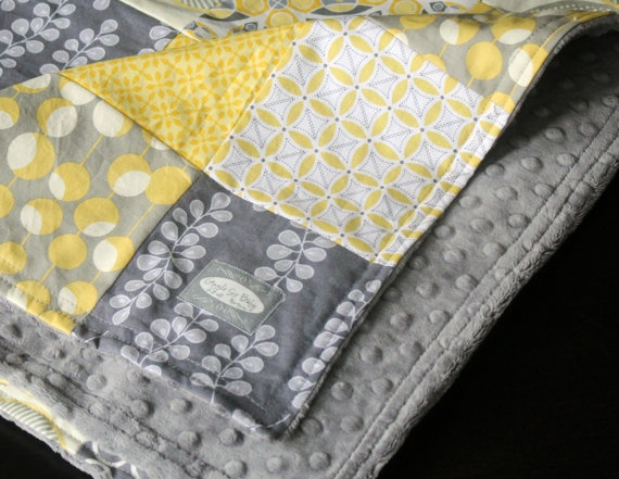Baby blanket - quilt and minkyColors Combos, Color Combos, Baby Quilts, Yellow Patchwork, Baby Blankets, Blankets Gray, Gray Yellow, Patchwork Baby Quilt, Baby Crafts