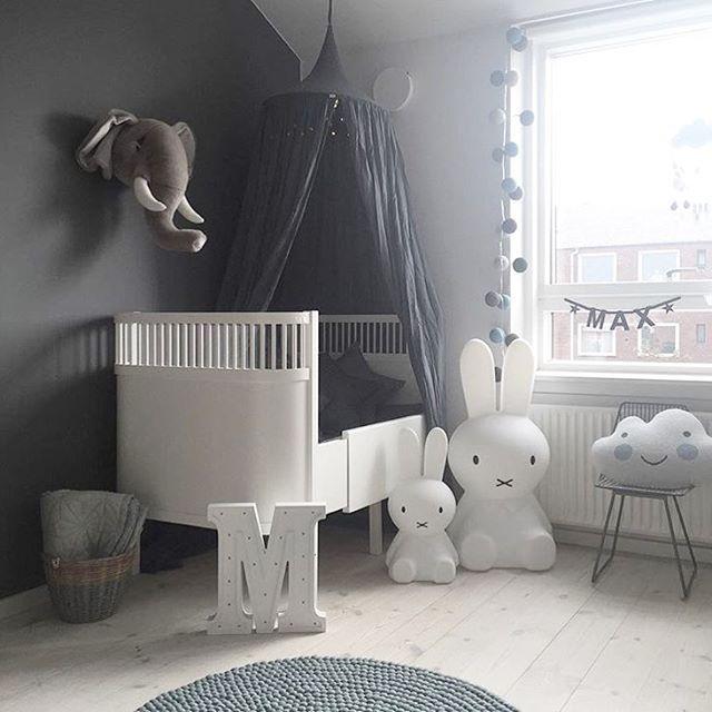 De søteste Miffy lampene, elefanthode og mange forskjellige bokstav og symbollys finner du i nettbutikken til @lillefin.no  www.lillefin.no ⭐️ Bildecredit: @made.by.mee ✨