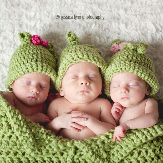 Triplets Pea Pod, 3 Peas In a Pod for Triplets, Sweet Pea Photo Prop, Crochet Cocoon and Hats for Triplets Photo Prop on Etsy, $105.00 I WANT THIS!!