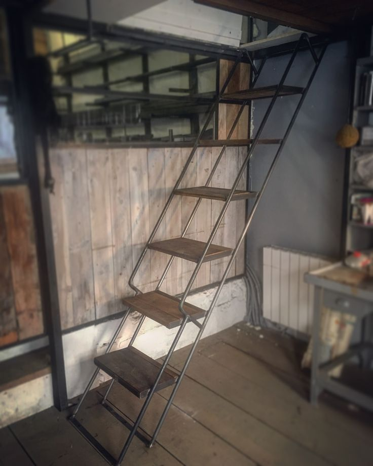 les 25 meilleures id es concernant echelle meunier sur pinterest escalier de meunier escalier. Black Bedroom Furniture Sets. Home Design Ideas