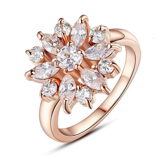 Женское кольцо - Алмазный цветок Золотой с белым камнем