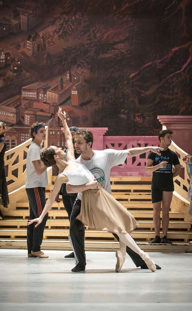 Ensayo Rosalinda. Ballet de Santiago. Foto de Patricio Melo