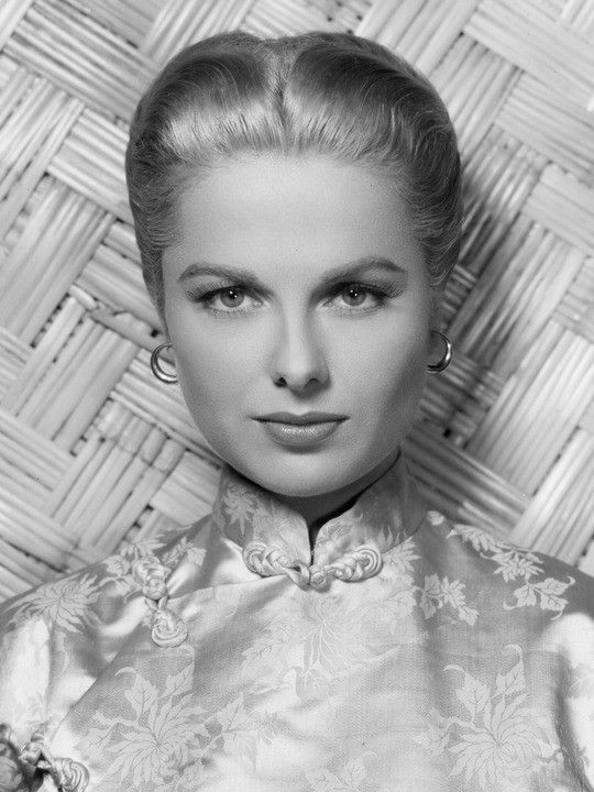 Martha Hyer , PERFECTION!  Her first film appearance was an uncredited speaking part in The Locket (1946). She appeared in uncredited and bit roles in B-movies for the next few years, occasionally working on television as well. Eventually she moved up the ranks, and starting in 1954, began receiving better roles, becoming a popular actress in Hollywood for the next decade.