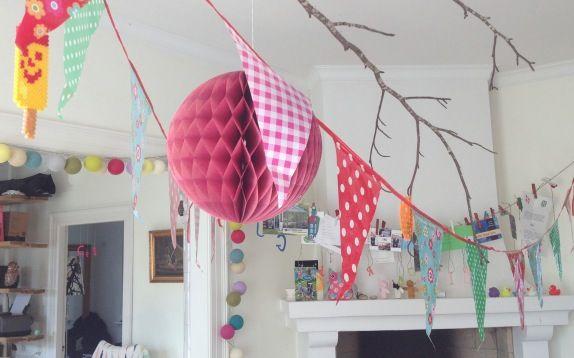 Velkommen til mit fødselsdagsparty - med flagranke og hama filuris. Fotograf: Susanne Randers