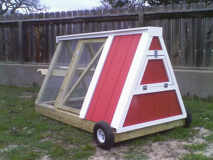 Moveable chicken coop. works like a wheelbarrow so you move the chickens around for grazing  Deran look at this  lo