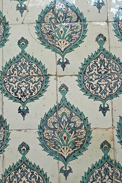 Iznik tile decoration - The Harem, Topkapi Palace
