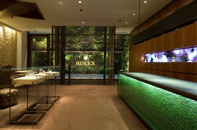 The Rolex 'crown' logo – one of the greatest status symbols -Pisa Orologeria – Rolex Boutique | FALL 2012
