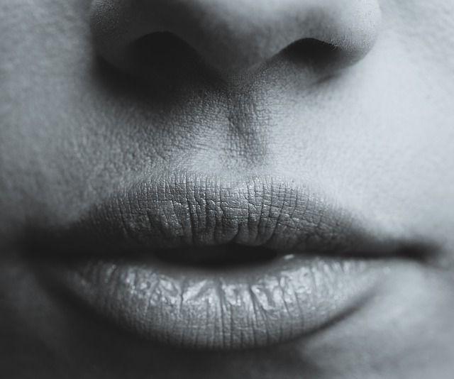 Διάβασε 5 make up tips για πιο γεμάτα χείλη με φυσική όψη!