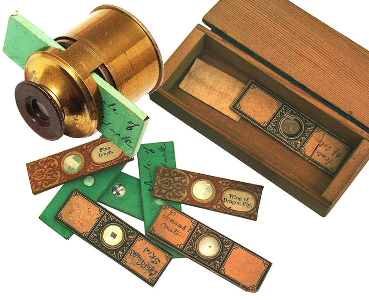 Victorian Field Pocket Microscope With Slides.