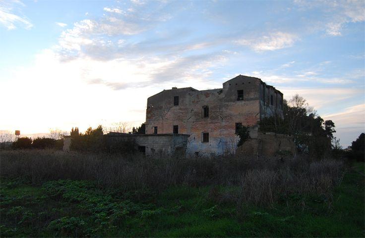 Il nostro è un progetto autofinanziato. Sostieni Sardegna Abbandonata con una piccola donazione Ex orfanotrofio, ma nell'Ottocento era una delle più belle ville della Sardegna Per la maggior parte ...