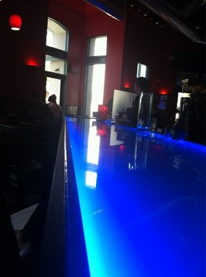 17 best images about bars bar tops on pinterest for Acrylic bar top