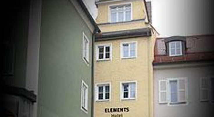 Elements Hotel Regensburg Located at the heart of the historic university town of Regensburg, this hotel features modern rooms with free Wi-Fi.