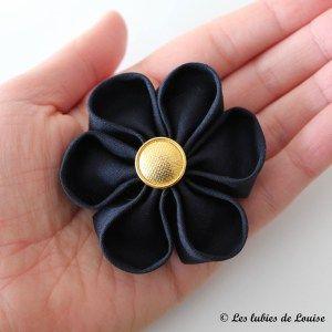 les 25 meilleures id es de la cat gorie fleur en ruban sur pinterest rose en ruban fleurs en. Black Bedroom Furniture Sets. Home Design Ideas