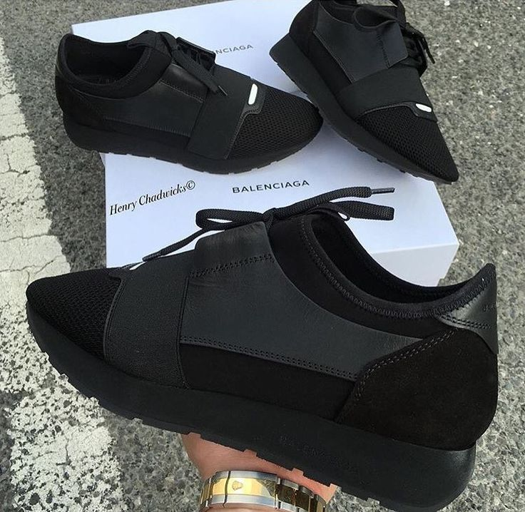 All black balenciaga sneakers  @ljonesstyle