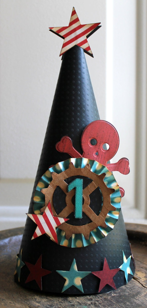 Pirate party hat-- I am in love with this! I think it would be cute with an anchor in the middle instead of a wheel, either way it's adorable!