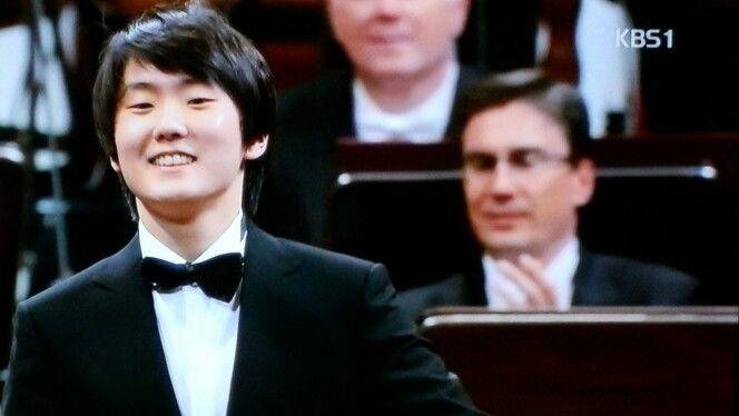 쇼팽 콩쿠르 1위, 조성진 폴로네이즈 Polonaises( Cho SeongJin, 2015 Chopin Competition), Korea , KBS 한국방송  https://youtu.be/5N5nPKar5Qs