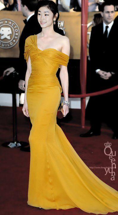 Yuna Kim at the 18th annual SAG awards // I love the yellow dress!