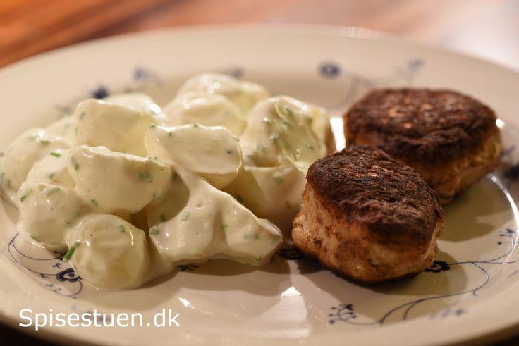 Jeg elsker bearnaisesovs – koldt og varmt :-) – så da min tvilling fortalte, hvordan hun laver kold kartoffelsalat, blev jeg altså nødt til at prøve at lave den sådan. Jeg har så glemt …