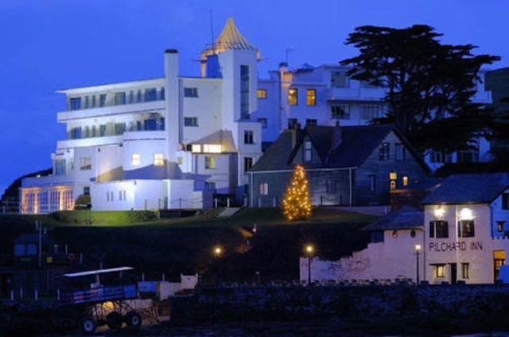 Burgh island hotel in devon art deco hotel on its own for Art deco hotel devon