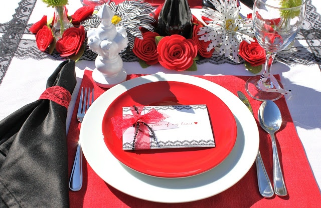 San Valentin: Heart Birthday, Tables Sets, Birthday Parties, Heart Parties, Parties Ideasdecor, Queen Of Heart, Heart 16, Birthday Ideas, Baby Shower