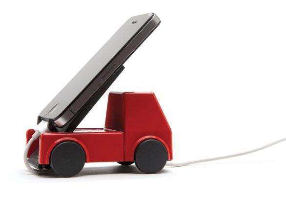 ¡Tu móvil seguirá en movimiento con Lori Load! Este sujetador de celulares te permitirá cargarlo con estilo mientras Lori lo carga en su tolva. Mide 10.8x6.2x8.6cm. Hecho por Monkey Bussiness y diseñado por Amidov. $16900