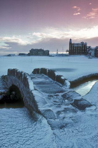 St Andrews in the snow #standrews #golf #scotland #swilkinbridge