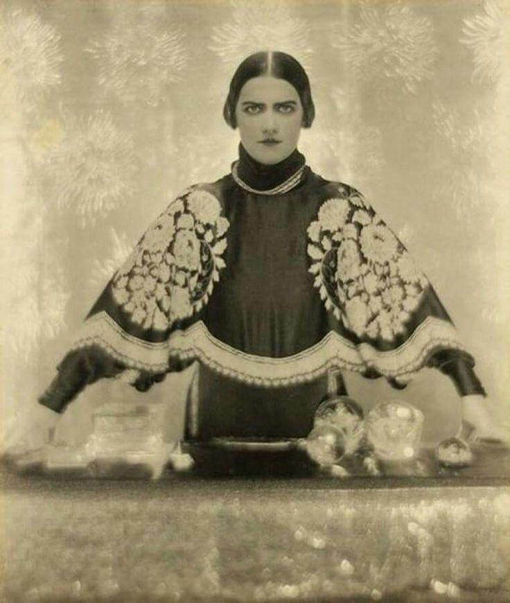 Elisabeth Arden cosmetics. Barón Adolfo de Meter, 1927.