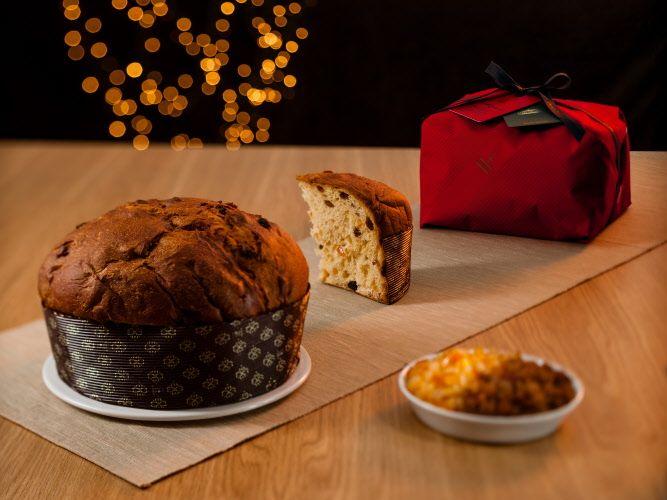 #Panettone #Fiasconaro dolce artigianale da forno rincarto a mano con freschi canditi d'arancia e uvetta aromatizzata al Marsala e Zibibbo.  #Natale 2015.