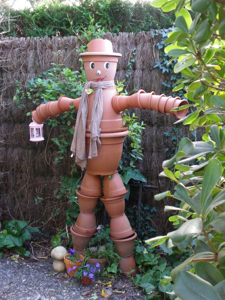 """Pot'Iron fait le """"beau"""" ! Un épouvantail super craquant qui vit dans le jardin d'Eféemer"""