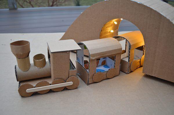 como hacer tren carton 10 Manualidades para Niños con Cajas de Cartón