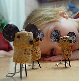 cork miceCrafts Ideas, Crafty, Wine Corks Crafts, Corks Mice, Cork Crafts, Kids, Champagne Corks, Diy, Corks Projects