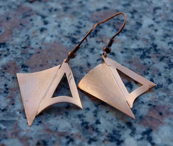Small bronze earrings with triangles!