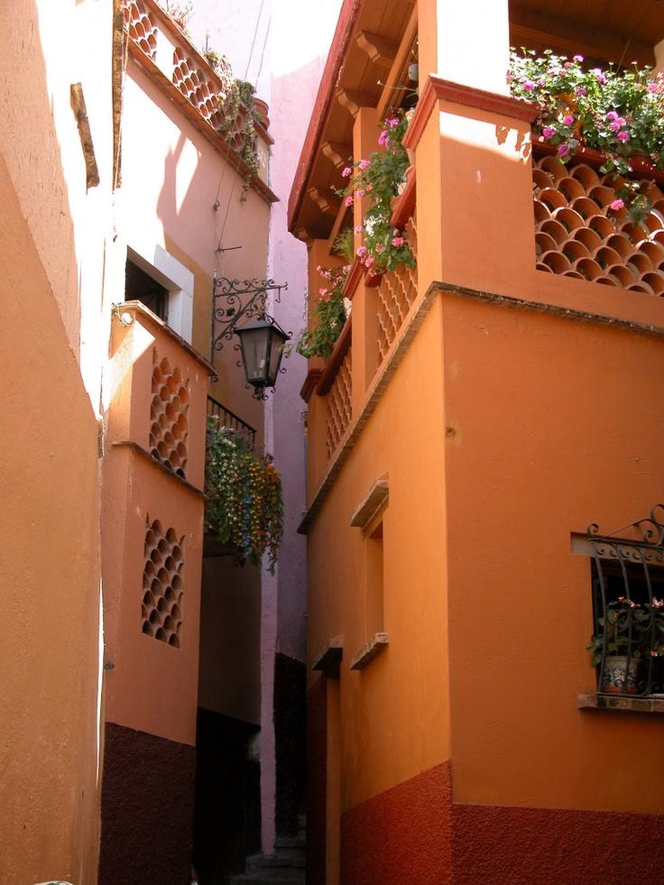 Callejón del Beso, Guanajuato, México.