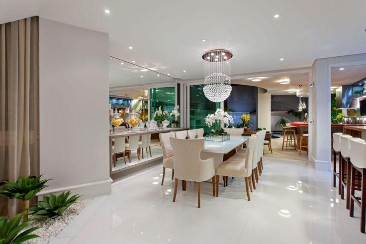 Navegue por fotos de Salas de estar modernas : . Veja fotos com as melhores ideias e inspirações para criar uma casa perfeita.